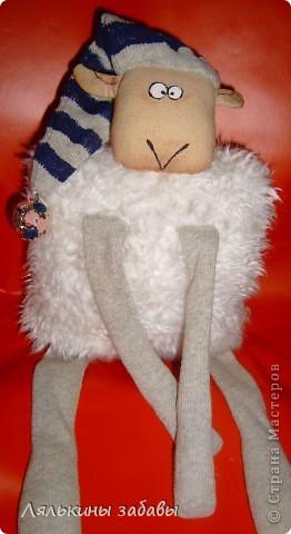 """по мотивам иллюстраций""""овечка Рассел"""" сидя 20 см,стоя-40см Лапки утяжелены пластиковым гранулятом. фото 6"""