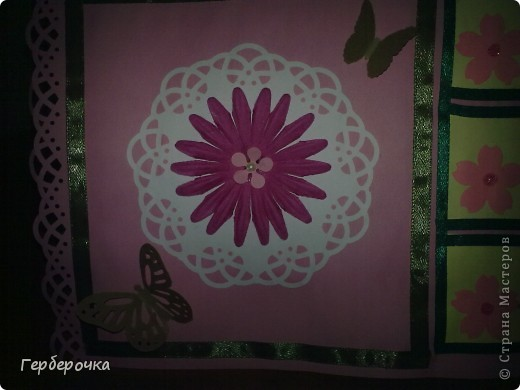 По скетчу в верхней части открытки лучше бы подошла надпись,но я решила заменить ее на цветок. фото 2