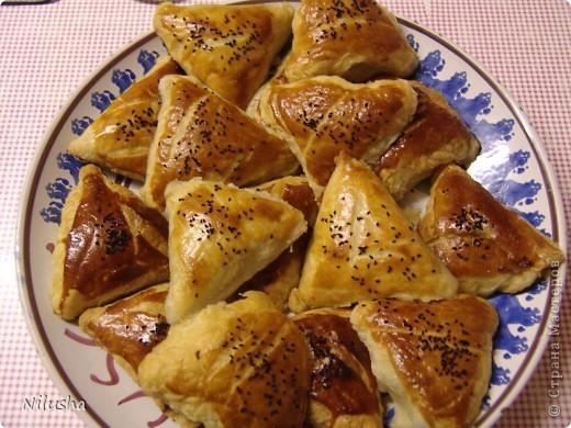 Я сама из Средней Азии и очень люблю наши блюда.Особенно когда далеко от дома человек скучает по домашней еде.Вот готовлю своим мои любимые блюда.Самса. фото 1