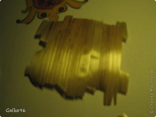 Как то мне надо было сделать доклад о моей роботе с соломкой, вот и получился МК делюсь с Вами, может кому то пригодится, извиняюсь за качество, снималось ночью, при свете настольной лампы(( На картинки изображен герб моего города Черновцы)) Итак начнем: фото 7