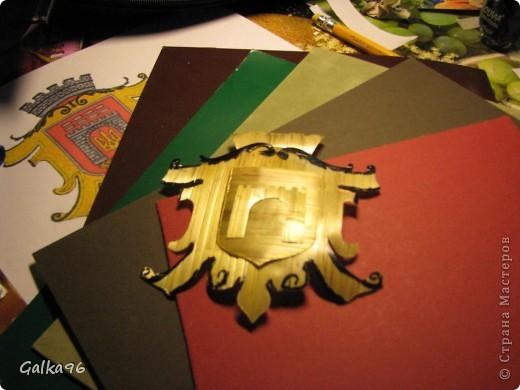 Как то мне надо было сделать доклад о моей роботе с соломкой, вот и получился МК делюсь с Вами, может кому то пригодится, извиняюсь за качество, снималось ночью, при свете настольной лампы(( На картинки изображен герб моего города Черновцы)) Итак начнем: фото 10
