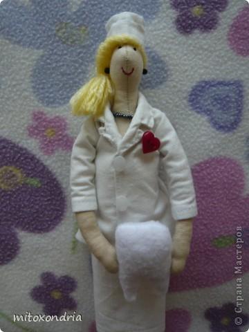 Сшила эту куколку в подарок для одной дамы, к юбилею. фото 1