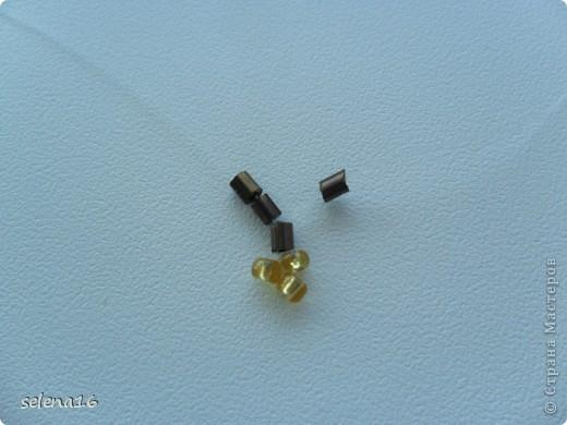 Золотистый бисер №10 и рубка шоколадного цвета. фото 5
