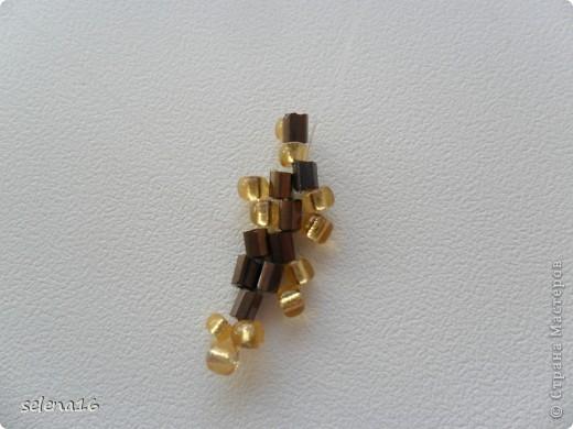 Золотистый бисер №10 и рубка шоколадного цвета. фото 21