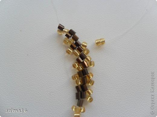 Золотистый бисер №10 и рубка шоколадного цвета. фото 23