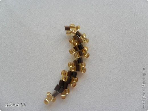 Золотистый бисер №10 и рубка шоколадного цвета. фото 27
