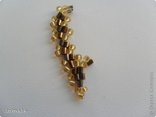 Золотистый бисер №10 и рубка шоколадного цвета. фото 29