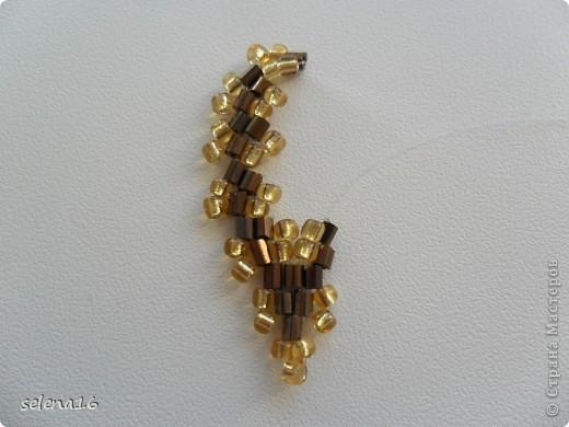 Золотистый бисер №10 и рубка шоколадного цвета. фото 30