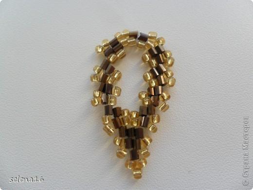 Золотистый бисер №10 и рубка шоколадного цвета. фото 32