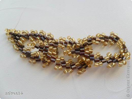 Золотистый бисер №10 и рубка шоколадного цвета. фото 33