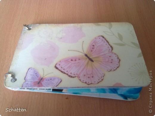 Этот альбомчик сделан по МК вот отсюда: http://www.scrap-info.ru/myarticles/article_storyid_503.html Моя племяшка - девочка-прелестница))) А поскольку мои любимые цвета все-таки (как раз) зеленый и синий, решила не отспупать от МК фото 1