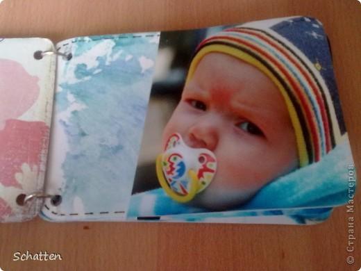 Этот альбомчик сделан по МК вот отсюда: http://www.scrap-info.ru/myarticles/article_storyid_503.html Моя племяшка - девочка-прелестница))) А поскольку мои любимые цвета все-таки (как раз) зеленый и синий, решила не отспупать от МК фото 2