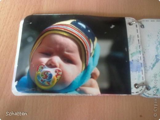 Этот альбомчик сделан по МК вот отсюда: http://www.scrap-info.ru/myarticles/article_storyid_503.html Моя племяшка - девочка-прелестница))) А поскольку мои любимые цвета все-таки (как раз) зеленый и синий, решила не отспупать от МК фото 3