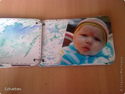 Этот альбомчик сделан по МК вот отсюда: http://www.scrap-info.ru/myarticles/article_storyid_503.html Моя племяшка - девочка-прелестница))) А поскольку мои любимые цвета все-таки (как раз) зеленый и синий, решила не отспупать от МК фото 5