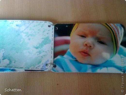 Этот альбомчик сделан по МК вот отсюда: http://www.scrap-info.ru/myarticles/article_storyid_503.html Моя племяшка - девочка-прелестница))) А поскольку мои любимые цвета все-таки (как раз) зеленый и синий, решила не отспупать от МК фото 6