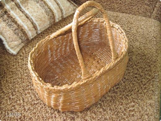 Вот такая корзинка у меня получилась,хожу с ней на огород,урожай собираю!