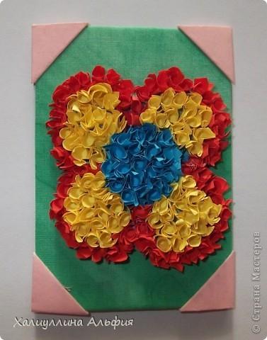 """Для выполнения этой коллекции под названием """"Лето - периодично, цветы - вечны"""" мне понадобился картон, бумага, клей, ножницы (само собой разумеющееся), а также ткань, которой я обтянула сами карточки, и которую я преждевременно выкрасила в неровный зеленый (имитация травы). Еще мне понадобились бусинки жемчужного цвета. фото 7"""