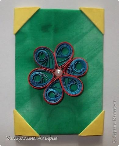"""Для выполнения этой коллекции под названием """"Лето - периодично, цветы - вечны"""" мне понадобился картон, бумага, клей, ножницы (само собой разумеющееся), а также ткань, которой я обтянула сами карточки, и которую я преждевременно выкрасила в неровный зеленый (имитация травы). Еще мне понадобились бусинки жемчужного цвета. фото 8"""