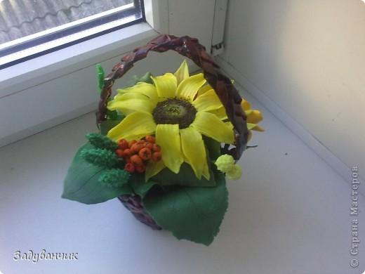 Закончила вот такую корзиночку с декоративными цветами фото 2