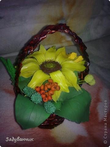 Закончила вот такую корзиночку с декоративными цветами фото 6