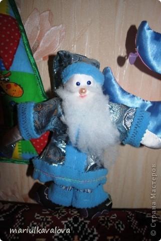 Деды Морозы с елками фото 2