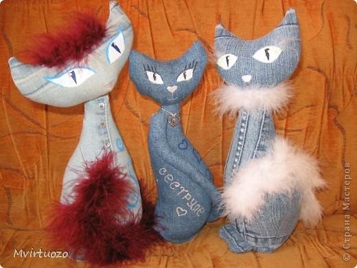 Предыдущих моих котов нельзя было оставлять одних, так и появились эти Кошечки-модницы. фото 7