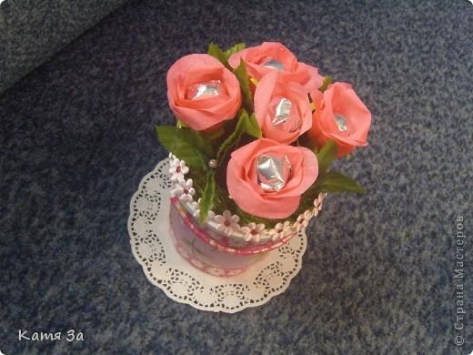 Сделала в подарок на день рождения мамочке.  Ведёрко украсила ленточками и декупажем (мой первый опыт) :))) фото 2