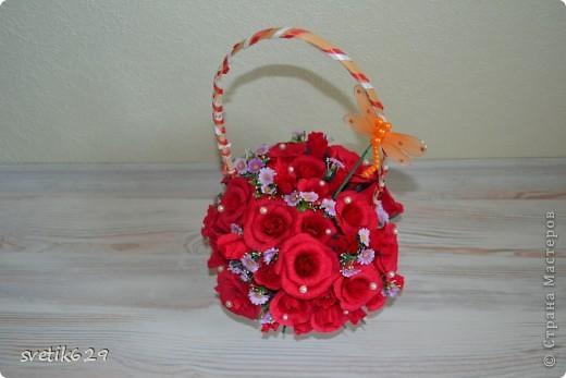 Моя первая сладкая корзиночка роз сделана в подарок на День рождение подружке. фото 2