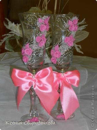 Розовые. Здесь смешивала белый Сонет и розовую Фимо Классик. Смесь получается очень липкая. Лепить сложно и приходится часто мыть руки.  фото 2