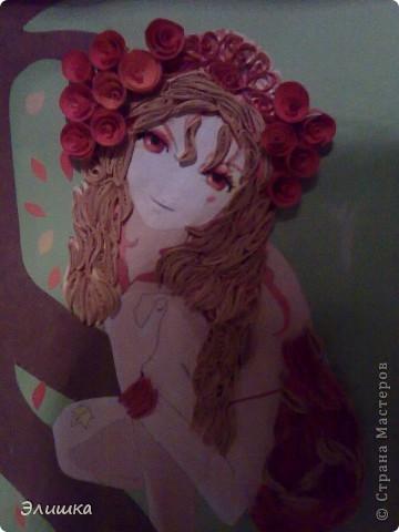 Моя первый опыт изготовления девушек в квиллинге. Картинку мне эту подарили несколько лет назад,и вот я нашла ей применение! фото 2
