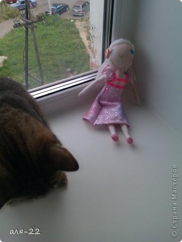 Этой девушке нравятся все оттенки розового и цветы. фото 9