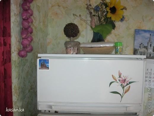 Декупаж деревенского холодильника фото 2