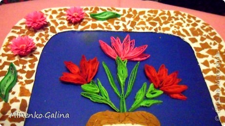 Однажды в СМ прочла о китайской технике изготовления цветов и листьев в технике квиллинг, когда уже готовый лепесток разрезается пополам полностью или частично. фото 12