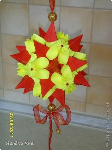 Основа - торнилло, цветочки -  видоизмененный модуль пуансетии, автор Татьяна Высочина. фото 3
