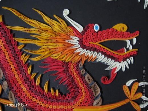 Доброго времени  суток, дорогие мастера и мастерицы СМ! Сегодня  я представляю  на  ваш суд своего китайского огненного дракона. Работала я над  ним  пять вечеров. Умаялась, устала, но дракон  нравится всем моим родным, а значит оно  того стоит. фото 2