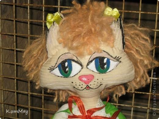 Ну, вот я опять в своём репертуаре: если уж шить, то, конечно, кошечек. К тому же, Сенька (мой тильдозая) загрустил как-то без подружки... А Агата уже была к тому времени в проекте. Вот я её быстренько и дошила.  фото 3