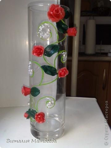 Наконец-то я ее сделала! Ура! Не судите строго. Это моя первая вазочка. Дальше, я надеюсь, будет еще лучше. Это фото при солнечном свете. фото 2