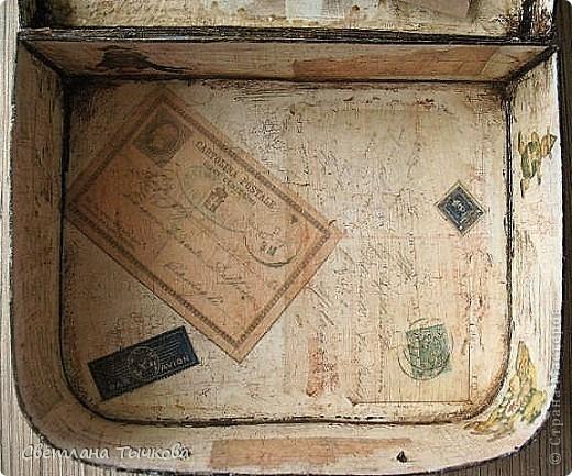 Изначально был в этом чемоданчике подарок сына-кофейный набор на две персоны.Чашки давно выставлены на полку,а в самом чемоданчике хранились разные нужные мне вещицы. фото 10
