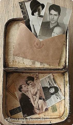 Изначально был в этом чемоданчике подарок сына-кофейный набор на две персоны.Чашки давно выставлены на полку,а в самом чемоданчике хранились разные нужные мне вещицы. фото 16