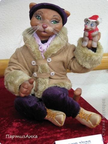 """Привет, Страна! Сегодня в Хайфе открылась всеизраильская выставка кукол под девизом """"Выходя за рамки"""".Были и наши, израильские мастера и мастерицы, и гости из России. Выставка продлится всего 4 дня, поэтому я, подхватив одной рукой ребёнка, а второй - фотоаппарат, помчалась на выставку. Представляю Вам маленький отчёт нашего с Данькой похода. фото 6"""