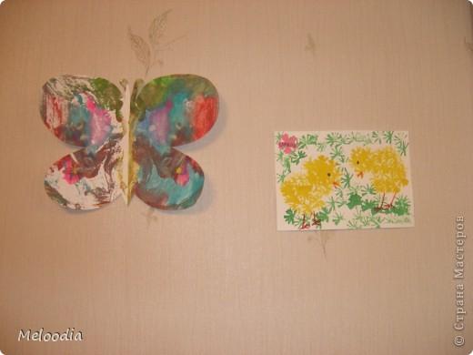 Это стены нашей детской комнаты. Унылые, серые... были. Зато теперь веселенькие. фото 4
