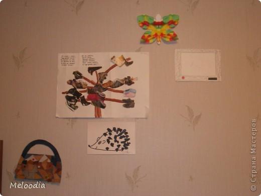 Это стены нашей детской комнаты. Унылые, серые... были. Зато теперь веселенькие. фото 5