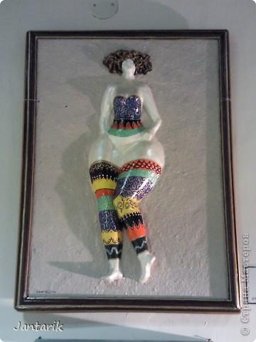 """С 25 по 28 августа в городе Хайфа проходит выставка кукол.на тему"""" Выйти за рамки"""".Об этом уже рассказала ПартизАнка в своём блоге. В этой выставке принимала участие и я.Это было для меня что-то абсолютно новое и я чувствовала себя Золушкой на балу.На этой выставке замечательные мастера представили свои работы.и что за работы!!!!! Вот мой скромный столик. фото 13"""