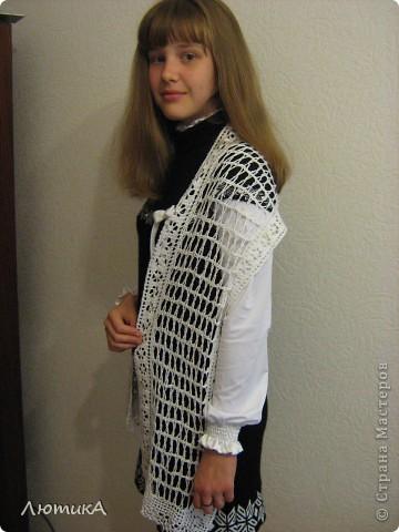Вот связался за 1,5 месяца шарф по заказу мамы,  торопилась к первому сентября. Ширина  35 см на 1,90.  фото 8