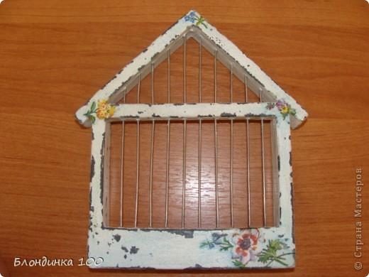 Это может быть ключницей, а может быть просто декоративным элементом на стене или полке. фото 5