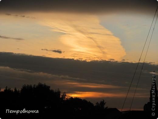 А еще я очень люблю снимать небо. Эта стихия меня завораживает. Небо над нашим храмом всегда разное. фото 22