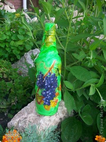 На бутылке и тарелке ткань. фото 4
