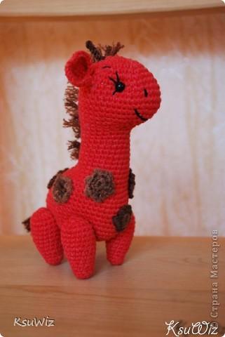 Знакомьтесь - Моня, Монечка, жирафа связанная на конфетной повязалке у Елены. фото 1