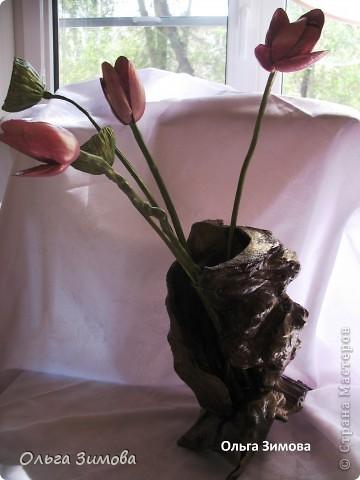 Вот такую вазу я сделала из старой коряги. В вазу поставила букет, который я выкладывала раньше. фото 9