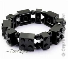 Вот такой браслетик Вы сможете сделать из кубиков ЛЕГО. Вам понадобяться:  ☻кирпичики от ЛЕГО  ☻ тоненькая резиночка  ☻ игла  ☻бусинки (по желанию) фото 11